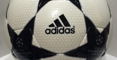 Balón de la Champions Adidas Finale 2